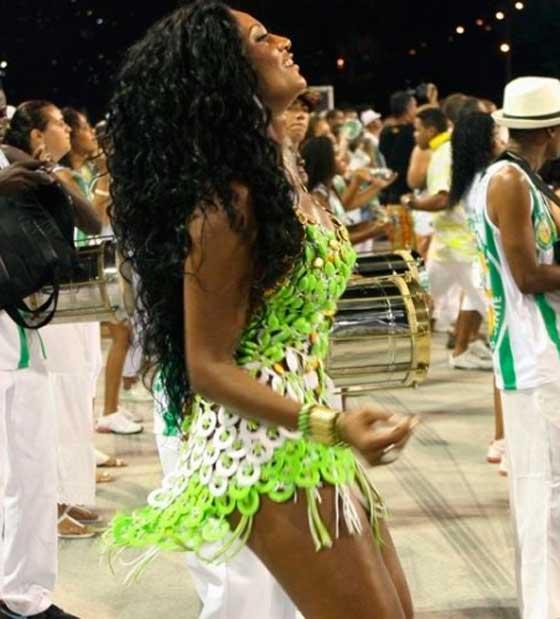 Passe o Carnaval com uma mulher infiel